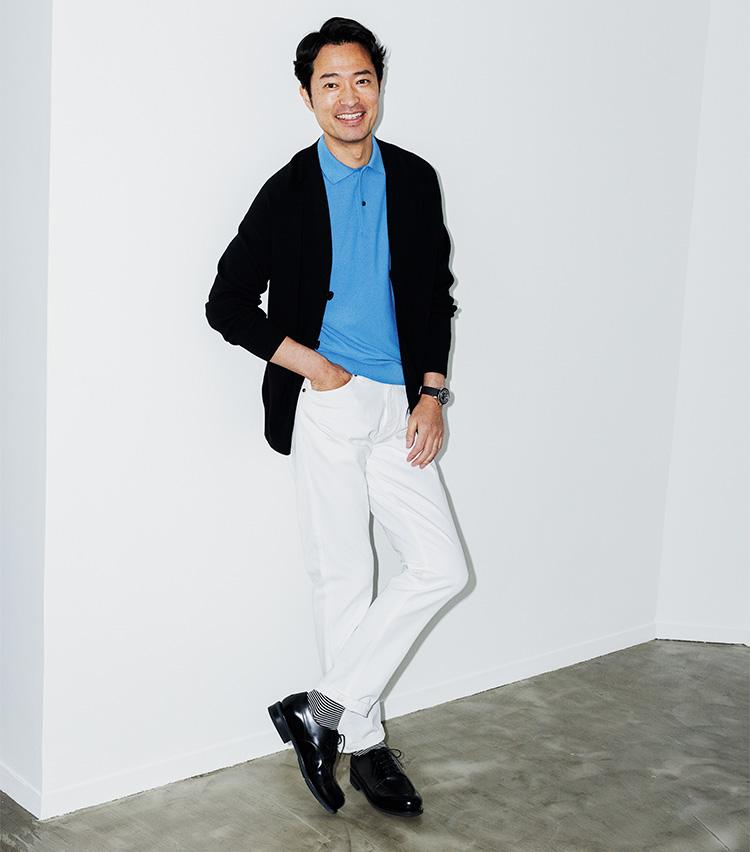 白黒デニムはモノトーン+1色で着る_P32メイン