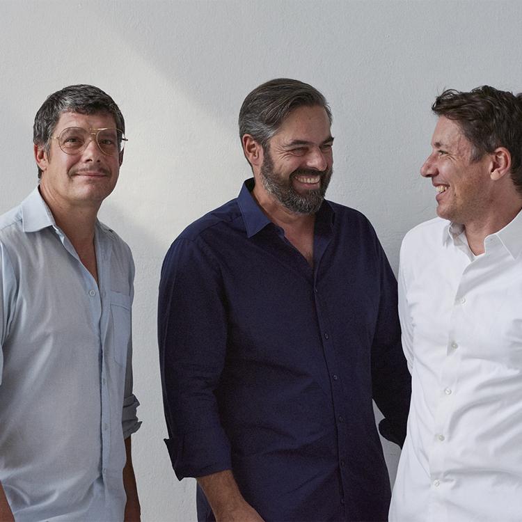 Haffmans&Neumeisterの注目フレーム_フィリップ・ハフマンスさん・ジャン=ピエール・ノイマイスターさん・ダニエル・ハフマンスさん