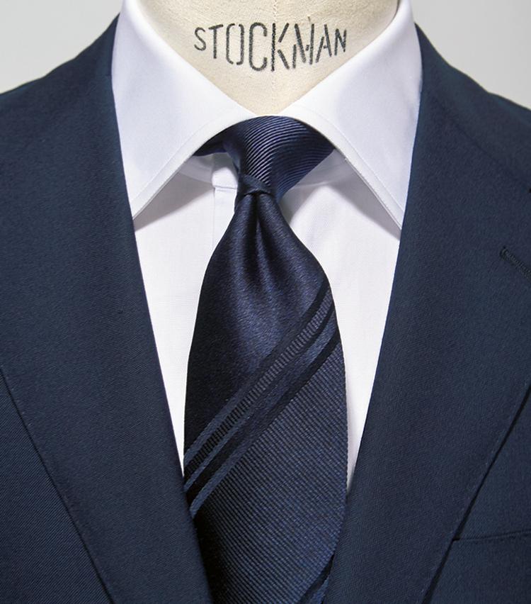 <p><strong>【0.5柄】<br /> かしこまった印象上品シンプル</strong></p> <p>●スーツ:0柄<br /> ●タ イ:0.5柄<br /> ●シャツ:0柄</p>