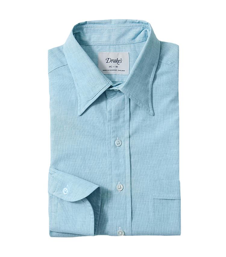 <p><strong>14.ドレイクスのミントグリーンシャツ</strong><br /> こちらのシャツはコットン70%、リネン30%の混紡生地を採用し、これからの暑い時期にも活躍する清涼感ある一着だ。ミントグリーンの色も美しく、普段の着こなしに取り入れるだけでグッと旬な印象になる。2万7500円(ビームス 六本木ヒルズ)</p>
