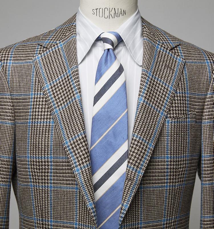 <p><b>英国伝統柄のジャケットも一気に涼やか</b></p> <p>ジャケットのペーンとタイのベースカラーがリンクし、涼感たっぷり。シャツの淡いグレー縞も良きブリッジ役に。ジャケット9万1300円/ビームス F (ビームス 六本木ヒルズ) シャツ2万9700円/エリコ フォルミコラ(ユナイテッドアローズ 六本木ヒルズ店) ※タイは上の画像[左]と同じ。</p>