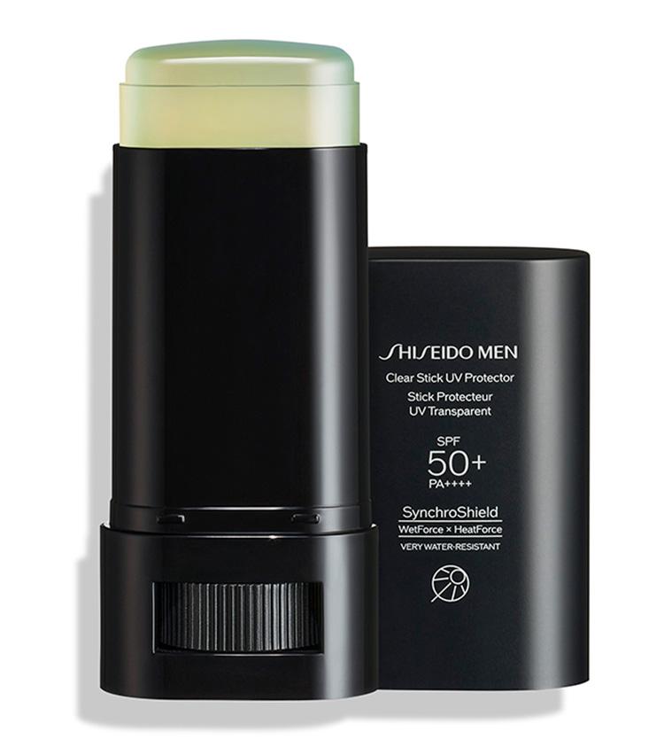 <p><b>SHISEIDO MEN<br /> シセイドウ メンのクリアスティック UVプロテクター</b><br /> スティックタイプで手を汚さず塗布でき、熱や汗、水によって防御膜が強くなるテクノロジーも搭載。汗や皮脂に強いウォータープルーフタイプ。SPF50+、PA++++。20g 3080円(資生堂お客さま窓口)</p>