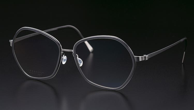 ミニマルで軽いメガネの代名詞「リンドバーグ」は何故生まれた?【本格眼鏡大全】