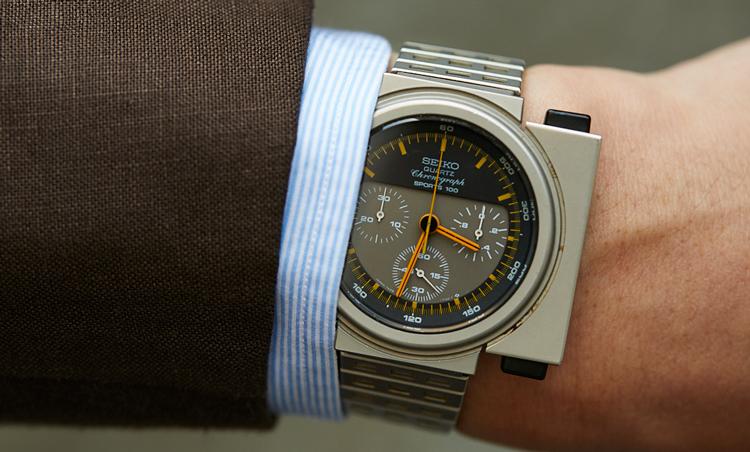 <p>「高価格より高感度を心がけている」という時計は、1983年に発売された世界初のアナログクオーツクロノグラフ。自称ビギン世代としては、外せない時計だそう。</p>