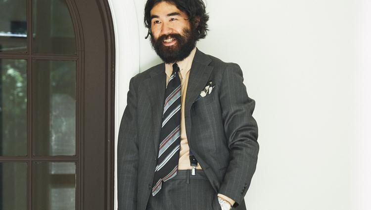 グレー系スーツを、白や青以外のシャツでお洒落に見せる方法【Pitti 100】