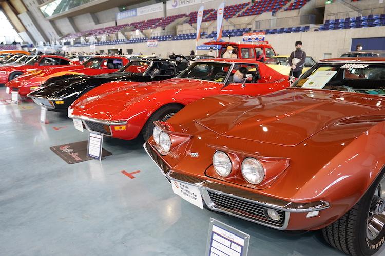 <p>フェラーリやランボルギーニはもちろん、ポルシェ911やシボレー コルベットなど、輸入車も数多く展示された。</p>