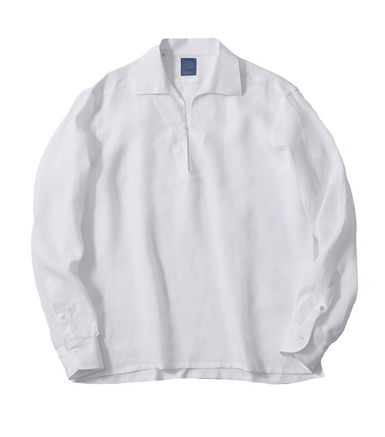 <p><strong>3.バルバのリネンカプリシャツ</strong></p> <p>ゆったりシルエットがリラックスムード満点のリネンカプリシャツ。それでいながら着丈のステッチも繊細で上質な雰囲気が漂う。イタリアのシャツらしいオープンカラーが、ほのかに大人の色気を感じさせてくれる。3万5200円(ストラスブルゴ TEL 0120-383-563)</p>