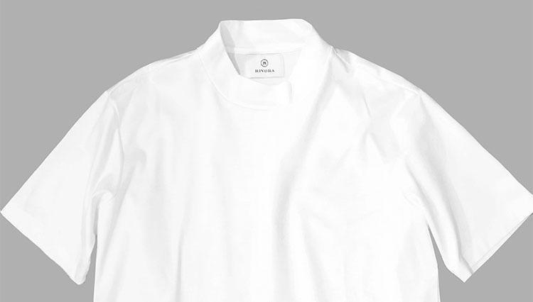 リヴォラのモックネックTシャツ