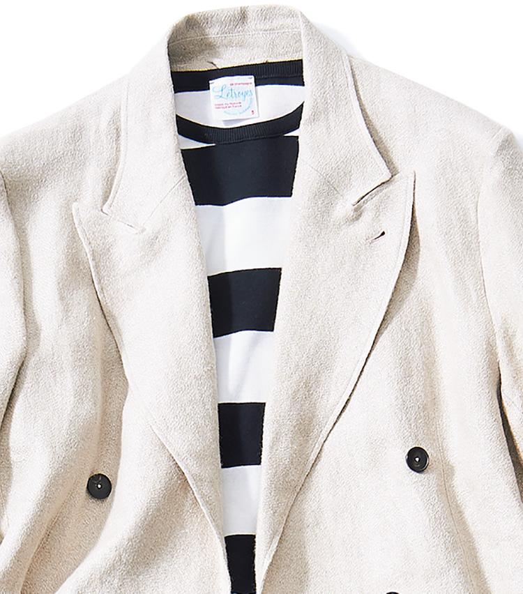 <p><b>[STYLE3]純白ではなく生成りで温かみを演出</b></p> <p>白黒ボーダーをマリン風に合わせた、爽やかで都会的な装いです。黒い上着だと重苦しくなるところを、軽さを感じさせる白で回避。生成りの麻や綿素材は温かみや安心感につながります。</p>