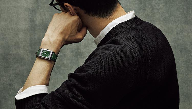 角型時計の名作「レベルソ」が旬のグリーンカラーをまとったら?