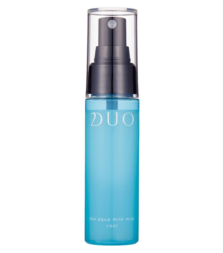 <p><b>DUO<br /> デュオのデュオ ザ アクアミルクミスト クール</b><br /> 定番のスプレー保湿剤のクールタイプが数量限定で登場。乾燥が気になったらシュッと顔のみならず、体や髪に塗布しても。外出先でマスク疲れの肌にも◎。48㎖ 2750円(プレミアアンチエイジング)</p>