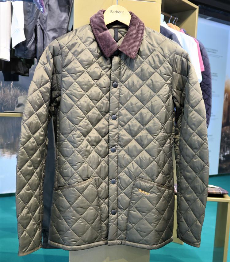 <p>軽くて暖かいキルトジャケット「リッズデイル」。</p>