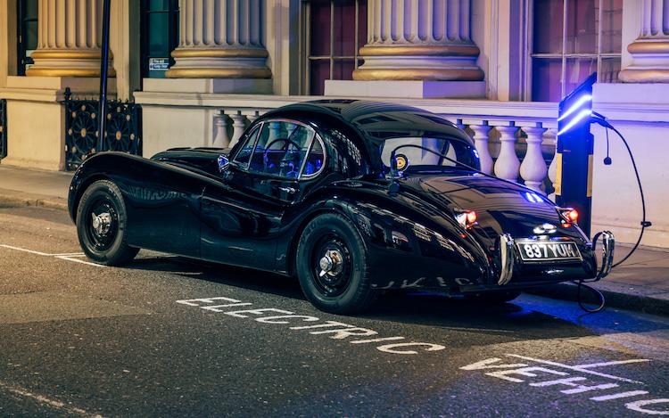 ルナズ デザインが手掛けたエレクトリック・レストモッド ジャガー XK120