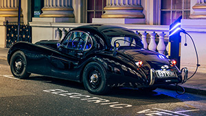 レストアだけじゃない「エレクトリック・レストモッド」で過去の名車たちが電動化!?