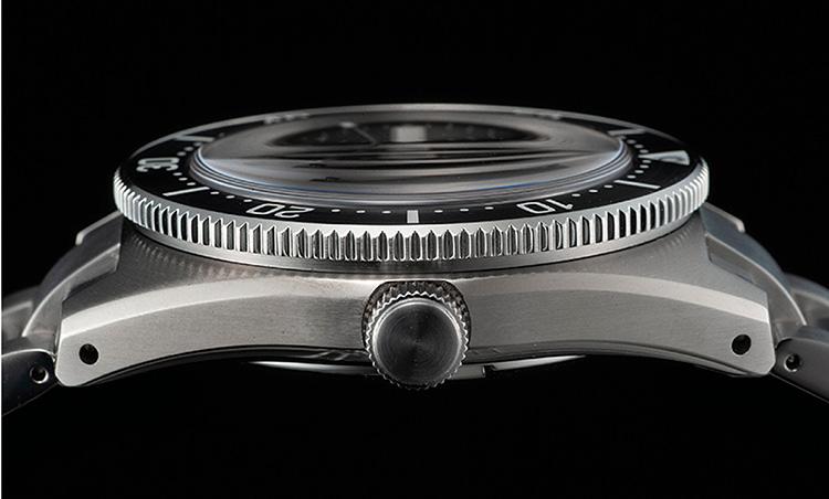 SEIKO(セイコー)_プロスペックス 1965 メカニカルダイバーズ 現代デザイン SBDC101_街での日常使いにもいい小振り40.5mmケースと薄型設計