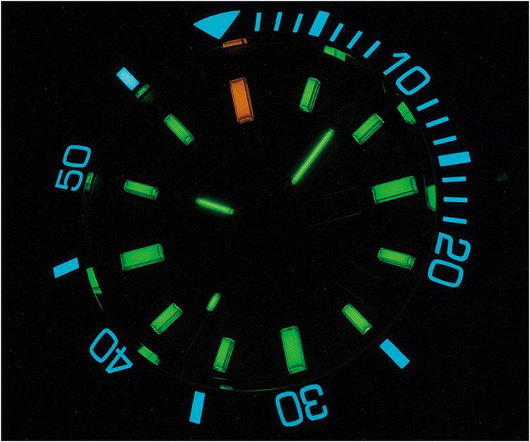 ボール ウォッチ エンジニア ハイドロカーボン サブマリン ウォーフェア ブラックMOP 画期的な夜光システム自発光マイクロ・ガスライト