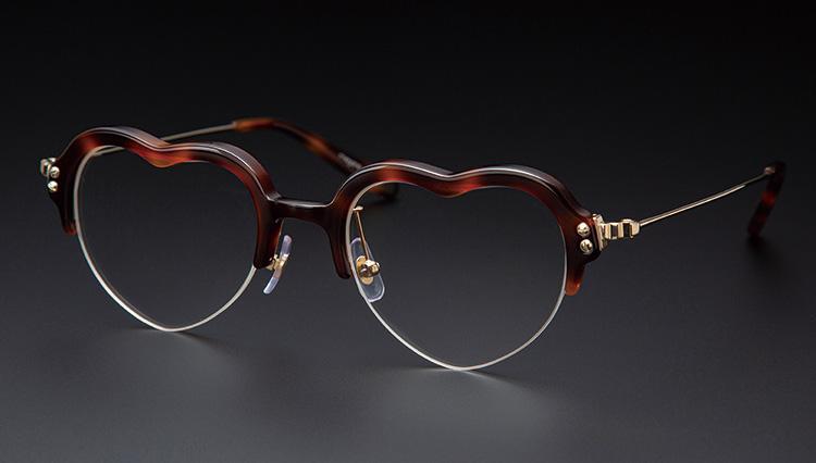日本人女性デザイナーが提案する、どこか特別なアイウェア【本格眼鏡大全】