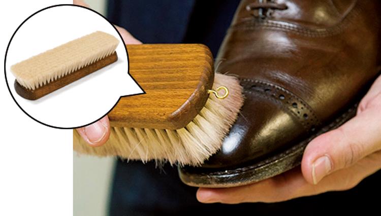 馬でも豚でもない「山羊毛ブラシ」は靴磨きでどう使う?【家庭の衣学】