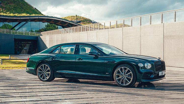 ベントレー フライングスパー ハイブリッドが示す「超高級車」のあり方とは?