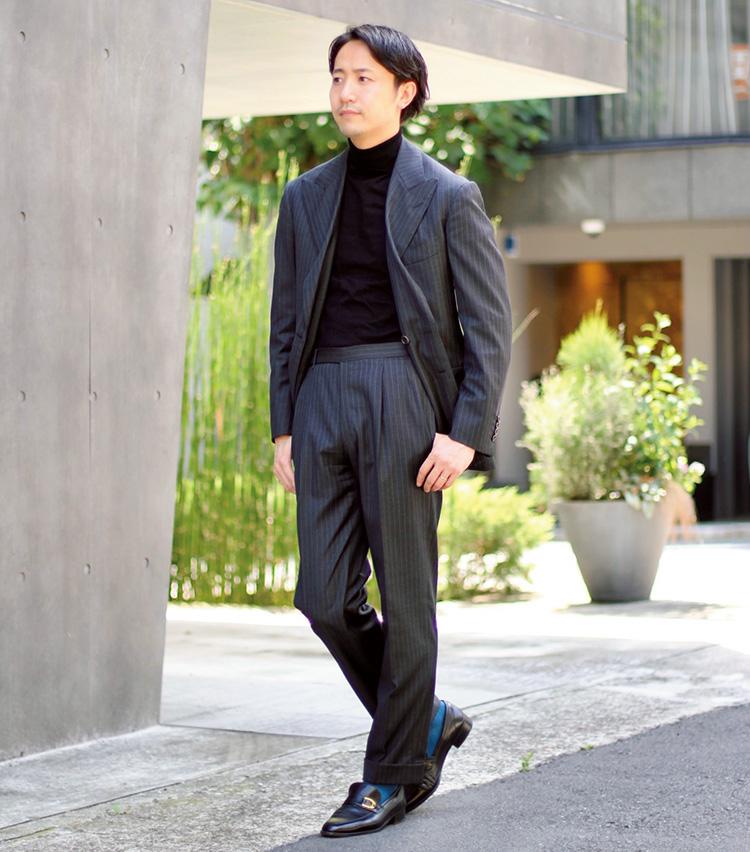 Suits You! of the month vol.3_森岡和也さん、シンプルな装いでソックスをアクセントに