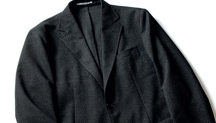 清潔感キープのためには、仕事のジャケットも気軽に洗えた方がいいよね