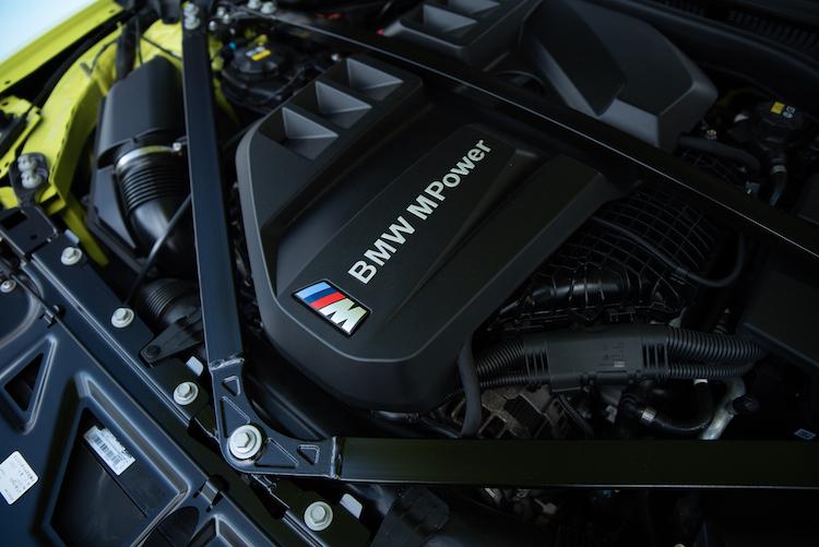 BMW M4 エンジン