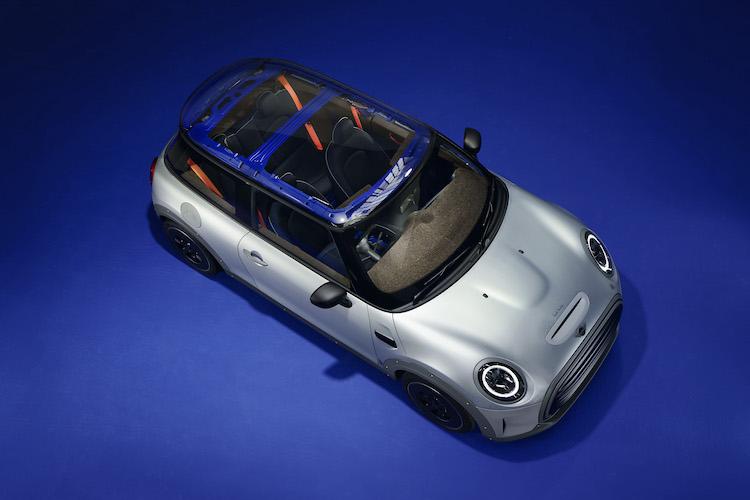 ポール・スミスとのコラボEV、MINI ストリップが提示するサステイナビリティの方向とは