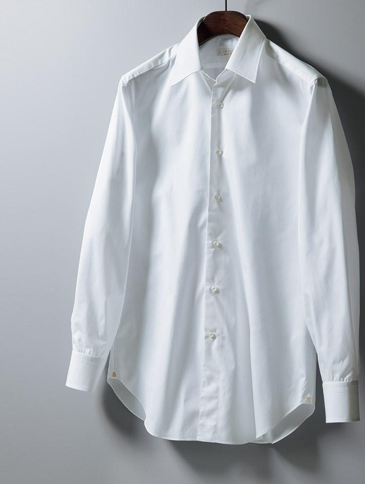 クラシックレギュラーの白シャツ