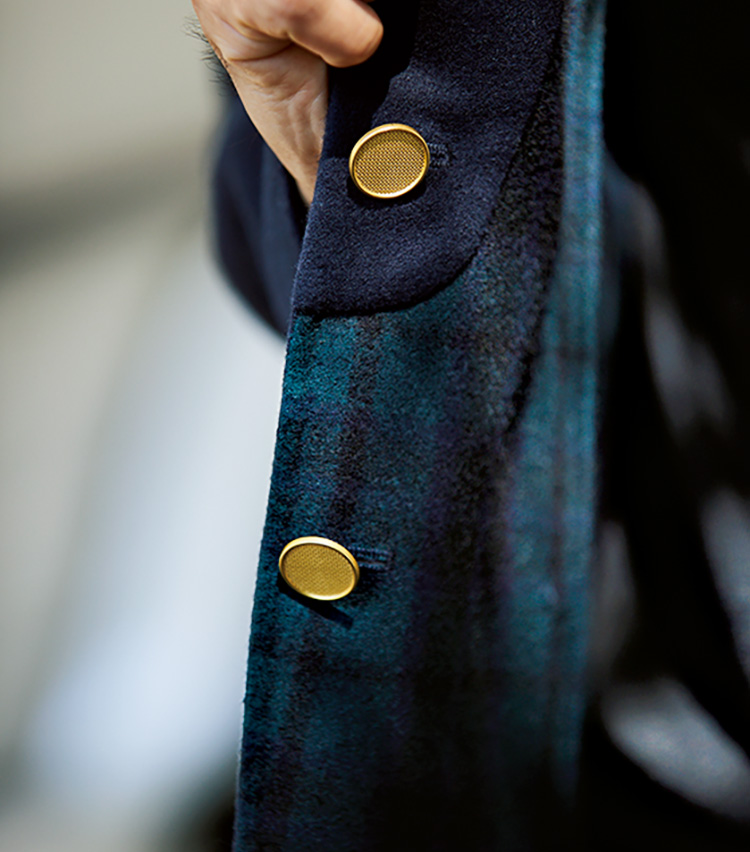 シップスのネイビージャケット、ダブルフェイスのメルトンで艶やか&柔らかな着心地