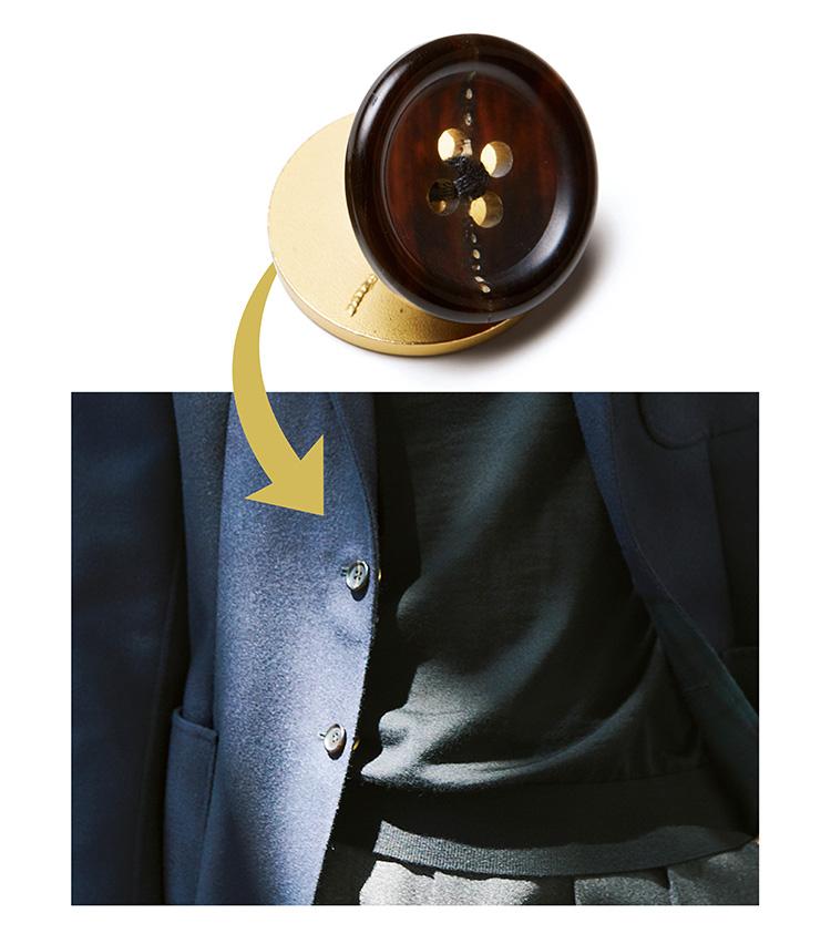 シップスのネイビージャケット、ONには紺色ボタン